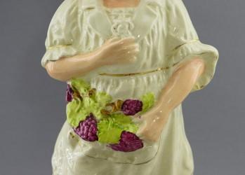 """Статуэтка """"Девушка с виноградом"""" 33,5см. , арт. 0800"""