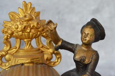 """Часы каминные на подставке """"Девушка"""" барокко, механические, арт. 5919/к"""