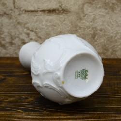 Белая ваза с объемным рисунком, арт. 5001