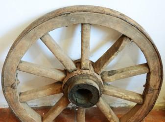 Колесо от телеги d-63см., арт. 2465