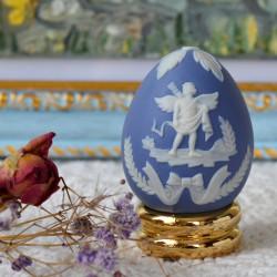 """Статуэтка яйцо пасхальное на подставке """"Херувим"""" фарфор арт. 5567"""
