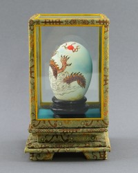 """Утиное яйцо с росписью в экспозиторе """"Дракон"""", арт. 3697"""