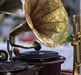 Граммофоны, патефоны, пластинки, иглы