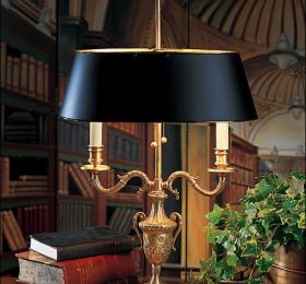 Люстры и настольные лампы