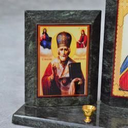 "Икона триптих из змеевика на подставке ""Николай, Иисус, Богородица"" 240*65*130мм арт.5519"